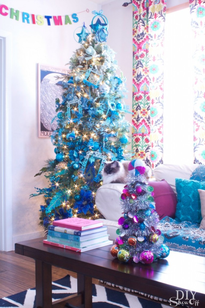 Christmas DIY: Make This Mini Christmas Ornament Tree Using Dollar Store Materials!3