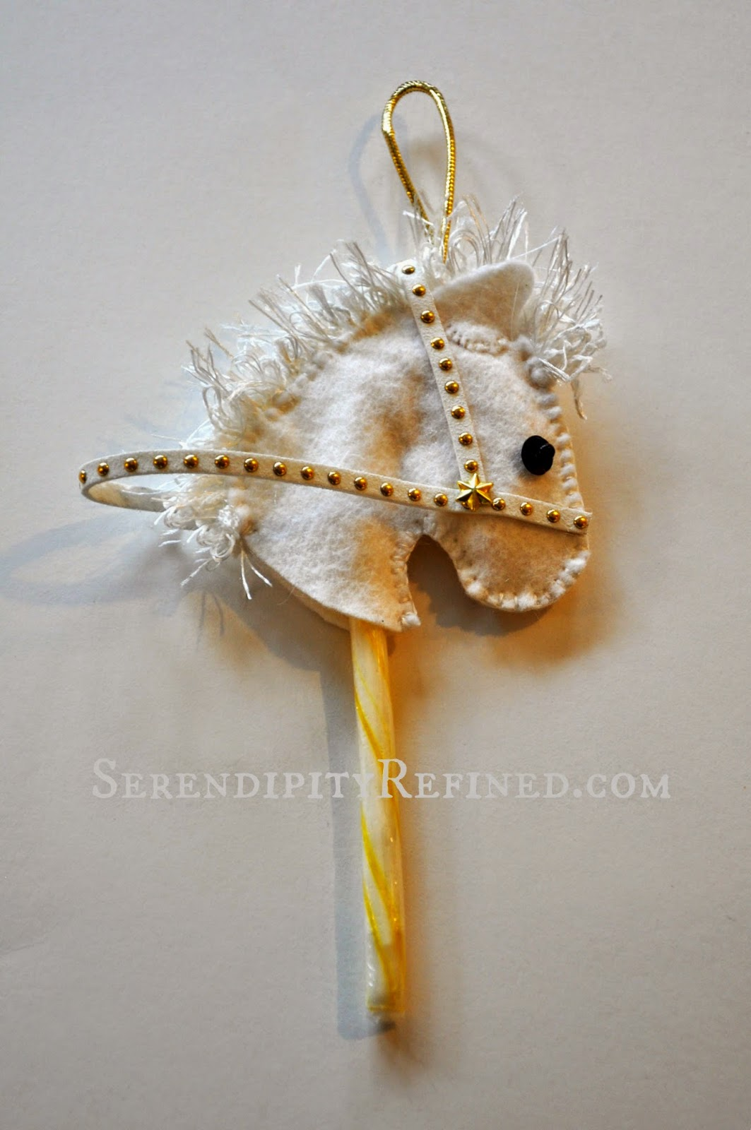Make This Super Cute Candy Cane Horse Head Ornament! No Sewing!9
