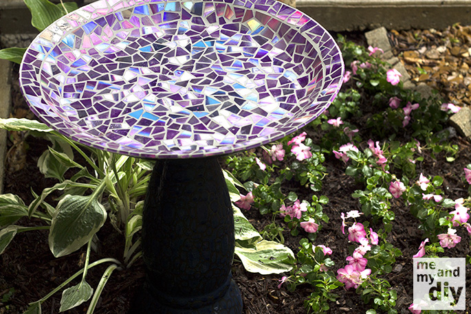 Give Your Old Birdbath a Makeover This Spring Using Old CDs!1