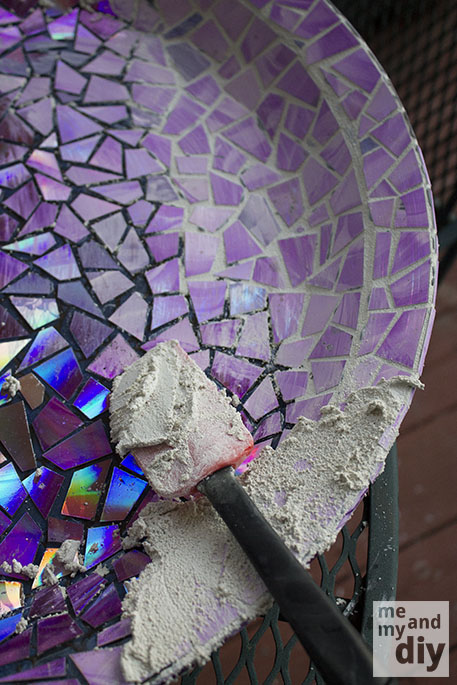 Give Your Old Birdbath a Makeover This Spring Using Old DVDs! 19