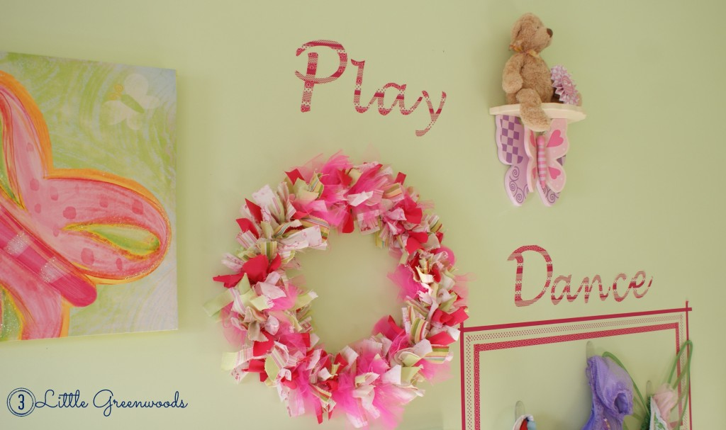 Budget Decorating: How to Make Your Own Customized Wall Decals Using Washi Tape!6