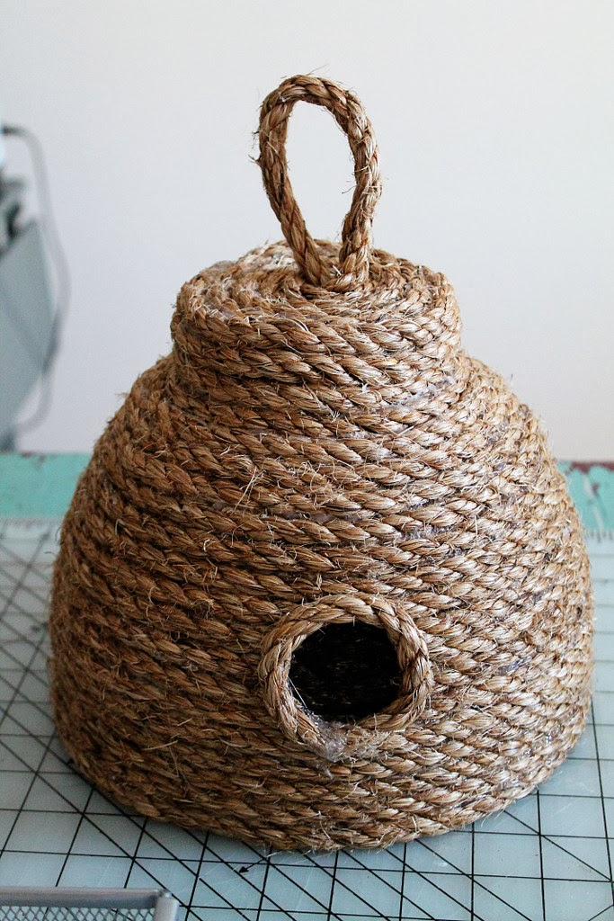 DIY: Make this Super Cute Beehive for Your Front Porch for Under $10! summer patio decor ideas spring beehive bbq pinterest project glue gun cheap budget rustic country rope twine easy7
