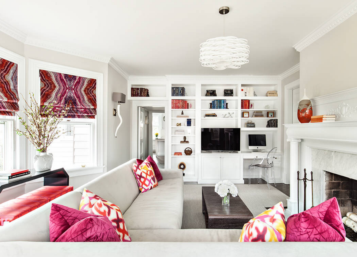 white living room decor ideas with bright accessories