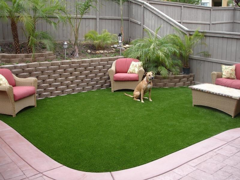 dog-artificial-grass-backyard-ideas