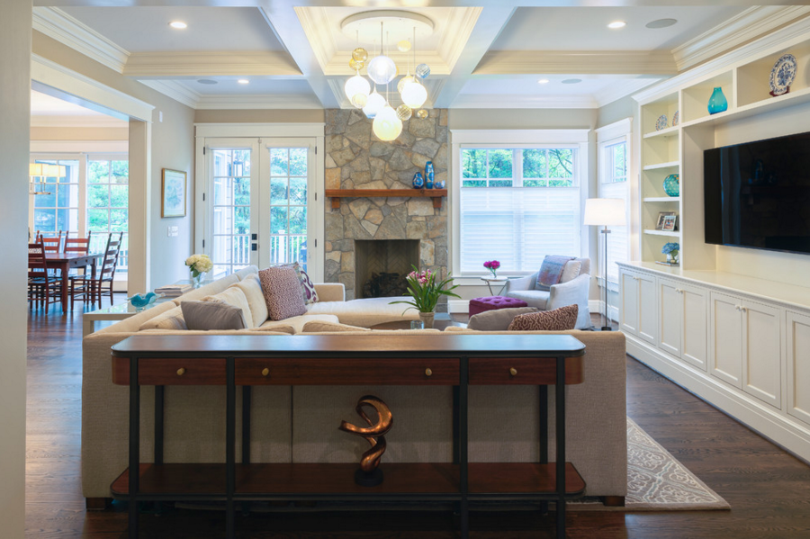 decorating-with-a-hand-blown-chandelier