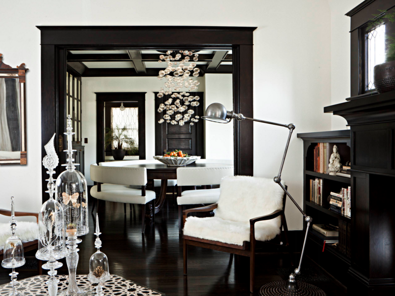 hand-blown-chandeliers-decorating-artistic-lights