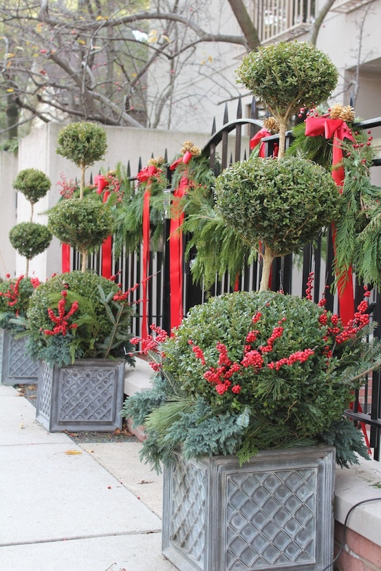 outdoor-holiday-christmas-decorating-ideas