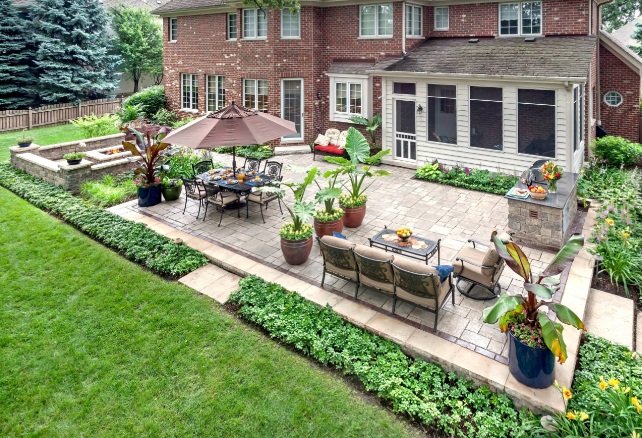 Prepare your yard for spring with these easy landscaping for Back garden patio ideas