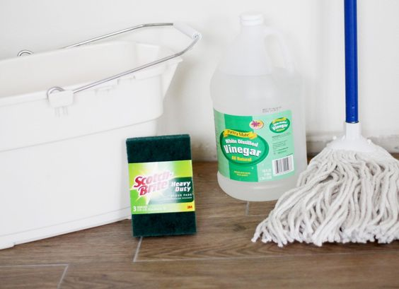 washing floors with vinegar and water