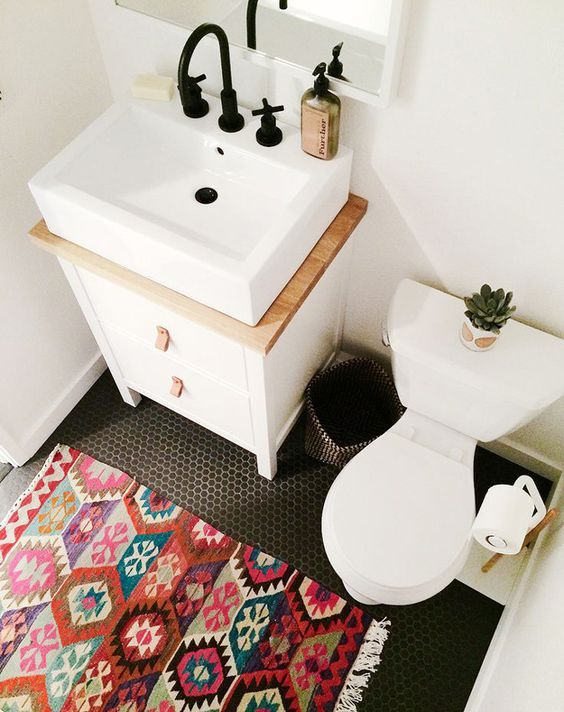 how to decorate a small bathroom ideas