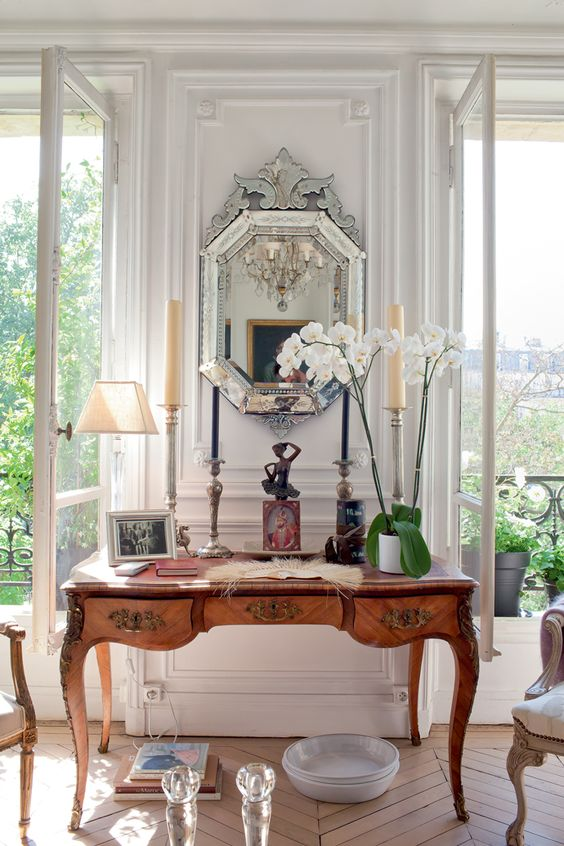 how to decorate your home with antiques ideas