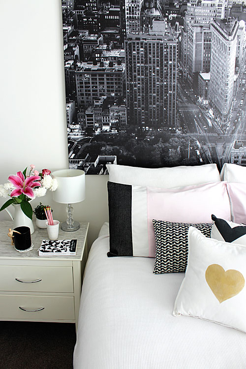 pretty pink monochrome bedroom set ideas
