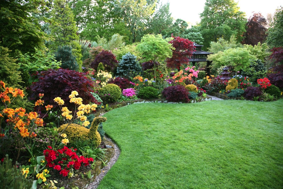 Welcome Spring with a Luscious & Beautiful Garden - Better ... on Beautiful Backyard  id=99818