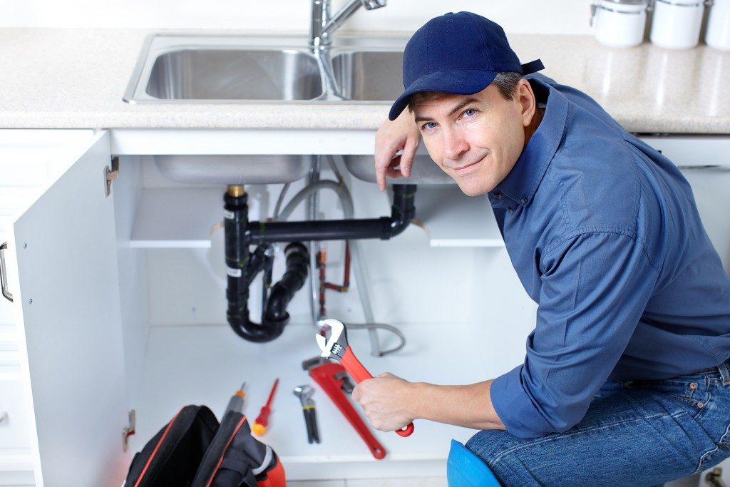 What To Ask Before Hiring A Plumber