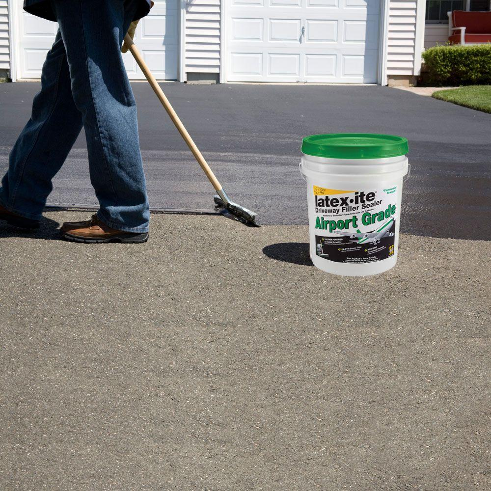 The Importance of a Good Driveway Sealer - Better HouseKeeper